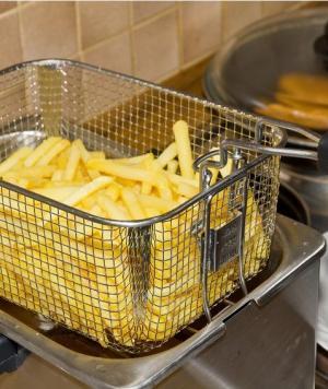 Quelle friteuse pour des frites croustillantes ?