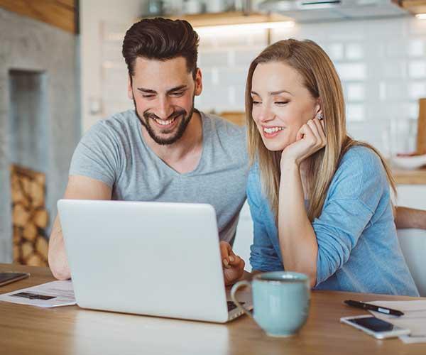 Moins que rien online dating