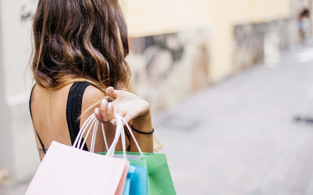 Soldes Mode Où Trouver Les Meilleures Offres Le Parisien